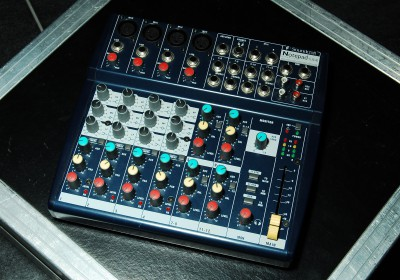 Compact mengpaneel voor geluidssets